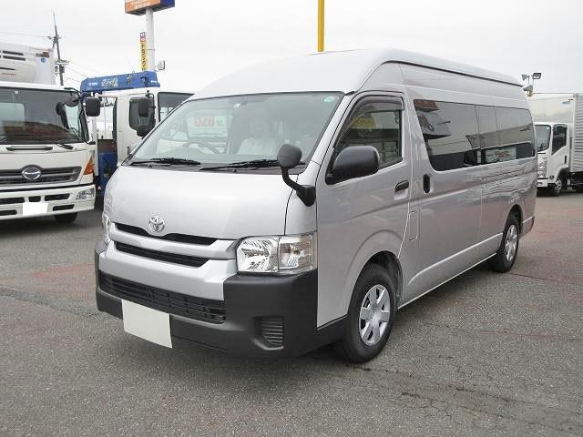 トヨタ 中型 ワンボックス/商用車・乗用車 CBF-TRH223B