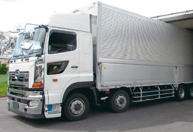 トラック車両
