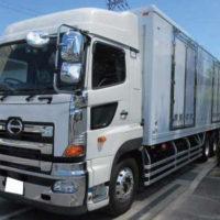 納車した日野大型冷蔵冷凍車