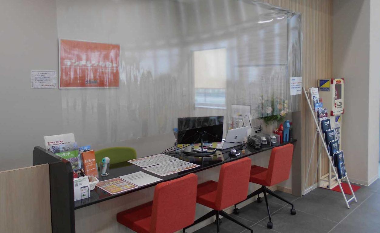 東日本車両センター受付設置の透明フィルムシート
