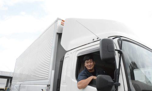 トラックと細川 敦大氏