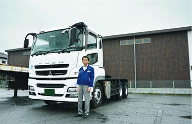 丹羽 敏之 氏とトラック